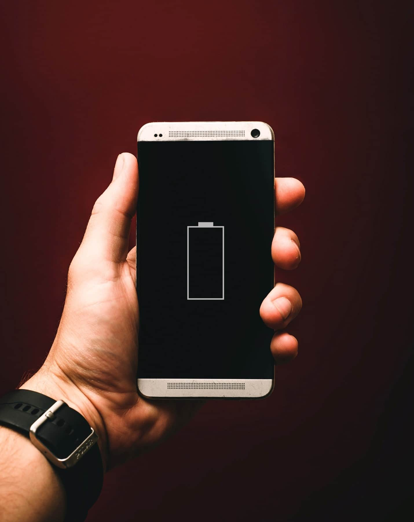 content/tr-tr/images/repository/isc/2020/9910/prolong-your-smartphone-battery-lifespan-1.jpg