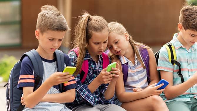 Çocukların internette özel korumaya ihtiyacı vardır